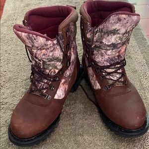 Cabelas Boots men camouflage and brown leather .